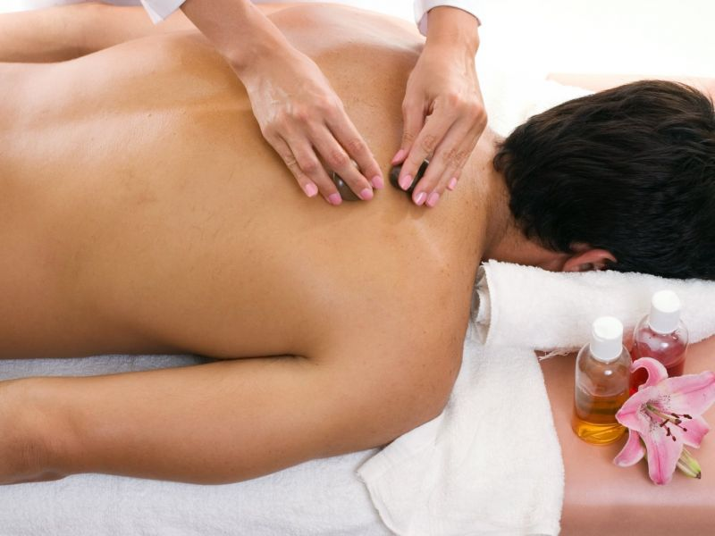 Photo of Aromatherapy Back, Neck and Shoulder Massage
